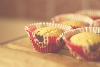 Akcesoria do pieczenia muffinek – w co warto się zaopatrzyć?